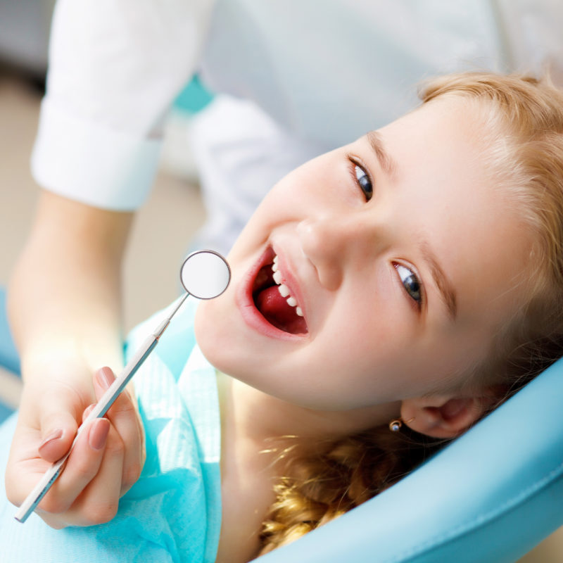 """Παιδί και Οδοντίατρος. Δείτε τις επτά """"σωτήριες"""" συμβουλές..."""